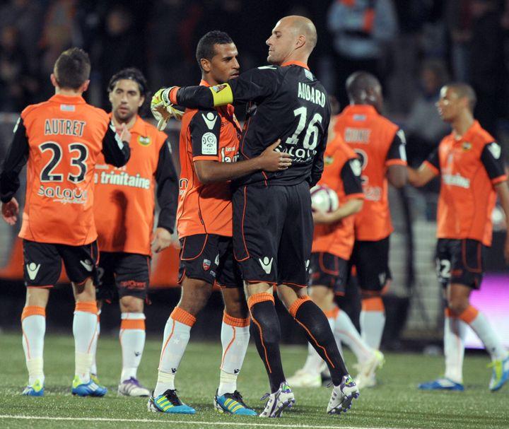 La joie des joueurs lorientais après leur victoire sur Ajaccio, le 6 novembre 2011, lors de la 13e journée de L1. (Franck Perry / AFP)