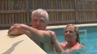 Christine et Jean-Louis sont les tout premiers clients de la saison d'uncamping de la Drôme.  (FRANCE 3)