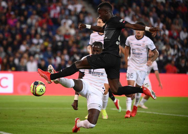 Idrissa Gueye a été de nouveau déterminant à la récupération face à Montpellier. (FRANCK FIFE / AFP)