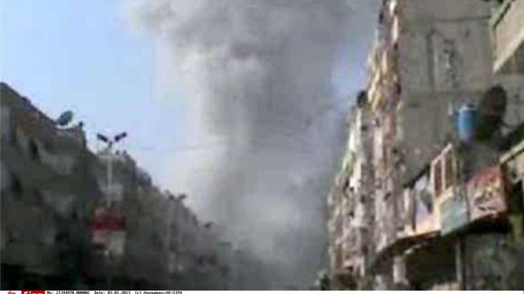 Bombardements sur Douma, une banlieue au nord-est de Damas (Syrie),jeudi 3 janvier 2013. (AP / SIPA)