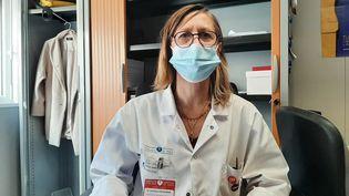 Constance Delaugerre, professeur de virologie à l'hôpital Saint-Louis de Paris, le 24 février 2021. (SIMON CARDONA / FRANCE-INTER / MAXPPP)