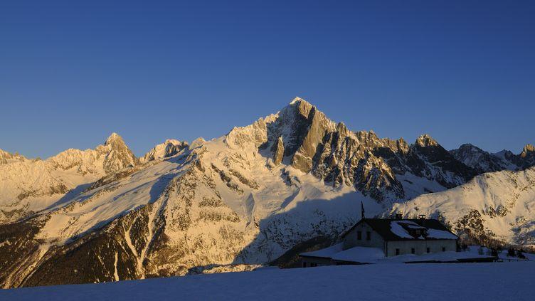 Les trois alpinistesévoluaient dans le secteur des Grands-Montets, à 3 300 mètres d'altitude. (TRIPELON-JARRY / ONLY FRANCE / AFP)