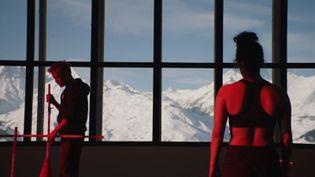 """Jérémie Renier et Noée Abita dans """"Slalom"""" deCharlène Favier. (Copyright Charlie Bus Production)"""