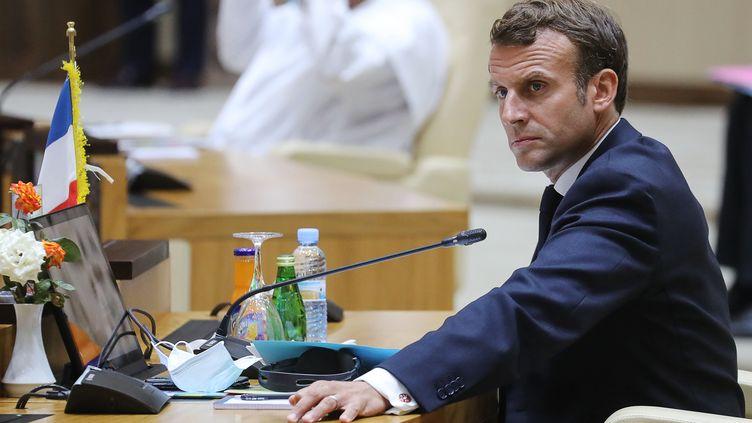 Emmanuel Macron lors d'un sommet du G5 Sahel à Nouakchott, en Mauritanie, le 30 juin 2020. (LUDOVIC MARIN / POOL / AFP)