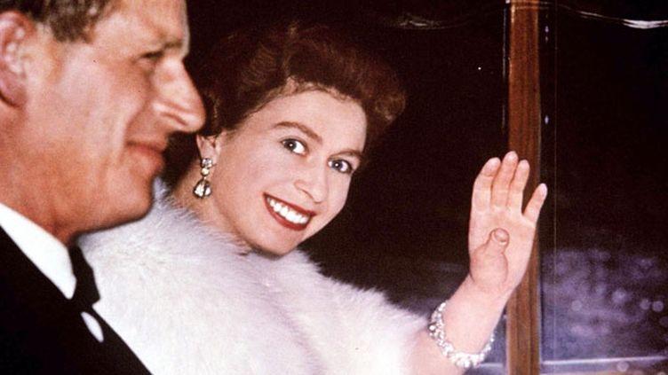 (La reine Elizabeth II et le prince Philip en 1961. © Maxppp)