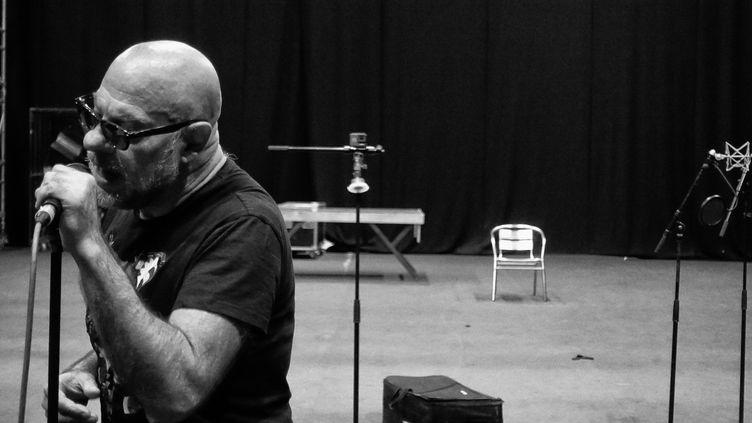 Bernie Bonvoisin en studio (Eric Mistler)