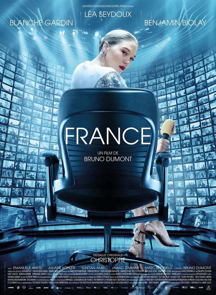 """Léa Seydoux sur l'affiche de """"France"""" de Bruno Dumont (2021). (ARP sélection)"""