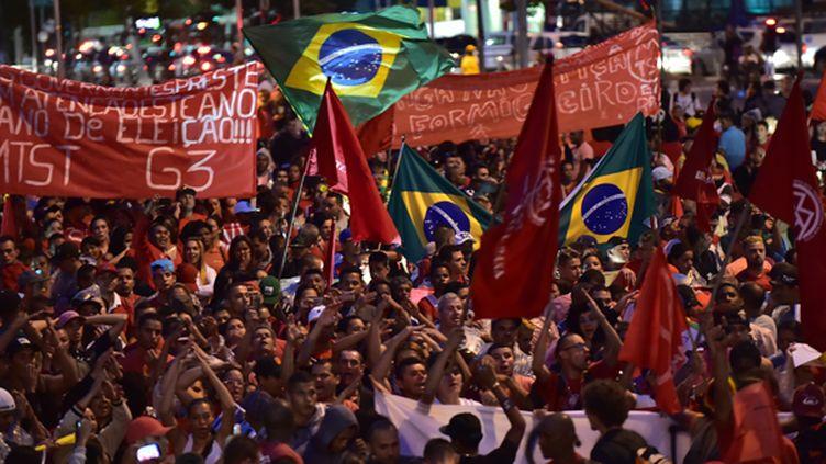 Des milliers de sans-abri manifestent contre la Coupe du monde (NELSON ALMEIDA / AFP)