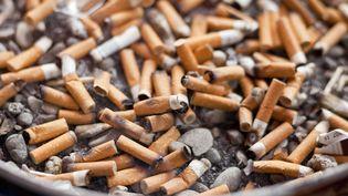 Le député UMP Yves Bur préconise dans un rapport remis au ministre de la Santé le 1er mars 2012 une série de mesures radicales pour lutter contre le tabagisme. (PHOTONONSTOP / AFP)