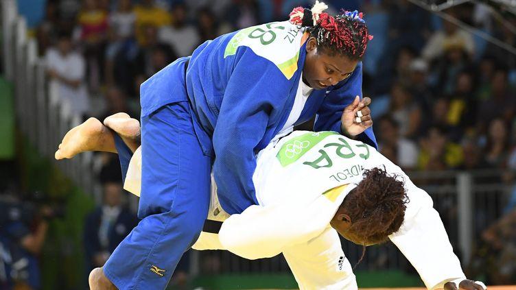 Jeux olympiques de Rio de Janeiro, le 12 août 2016. La française Emilie Andeol (en blanc) au combat contre la cubaine Idalys Ortiz durant la finale des plus de 78KG. Emilie gagnera la médaille d'or. (MAXPPP)