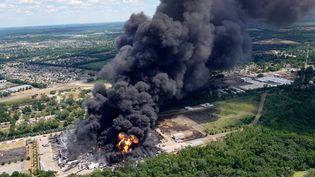 L'usine chimique de Chemtool installée àRockton dans l'état de l'Illinois (Etats-Unis) a pris feu lundi 14 juin 2021. (SCOTT OLSON / GETTY IMAGES NORTH AMERICA / AFP)