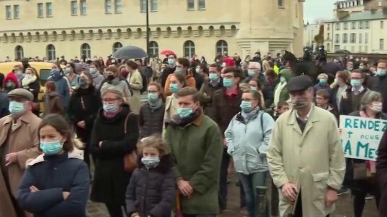 Reconfinement : des catholiques demandent le retour de la messe (France 2)