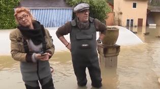 France 3 vous emmène ce jeudi 25 janvier à la rencontre d'un couple à Esbly (Seine-et-Marne) qui refuse de quitter son domicile malgré les inondations. (France 3)