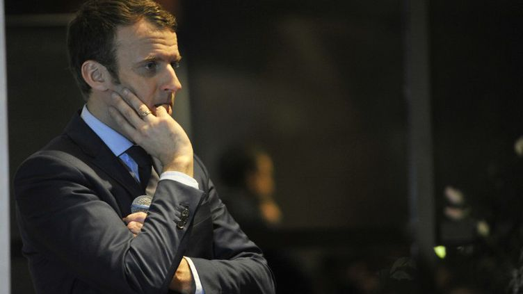 Le candidat commente au jour le jour sa campagne devant la caméra du réalisateur Bertrand Delais. (STR / AFP)