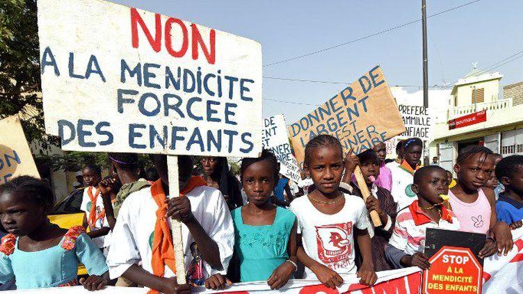 Manifestation contre la traite des enfants à Dakar, le 3 mars 2015. (Photo AFP/Moussa Sow)