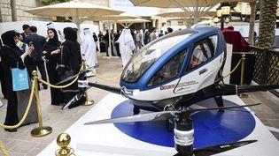 L'Ehang 184, un prototype de drone-taxi, présenté à Dubaï, le 13 février 2017. (STRINGER / AFP)