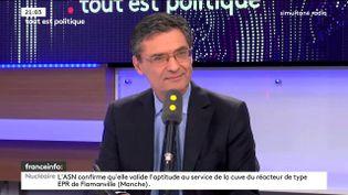 Patrick Devedjian était l'invité de Tout est politique, mercredi 11 octobre sur franceinfo. (FRANCEINFO)