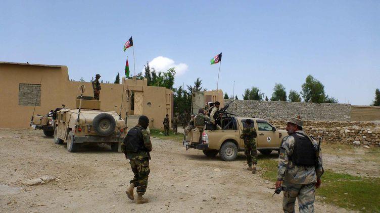 Des soldats afghansdans la province deNangarhar, dans l'est de l'Afghanistan, le 8 août 2016. (ZABIHULLAH GHAZI / ANADOLU AGENCY / AFP)