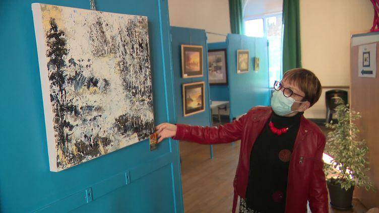 Une exposition vient égayer le quotidien des soignants et patients au centre de vaccination d'Hirson dans l'Aisne. (France 3)