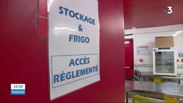 Covid-19 : le vaccinodrome du Stade de France ouvre ses portes et entraîne la fermeture de centres plus modestes