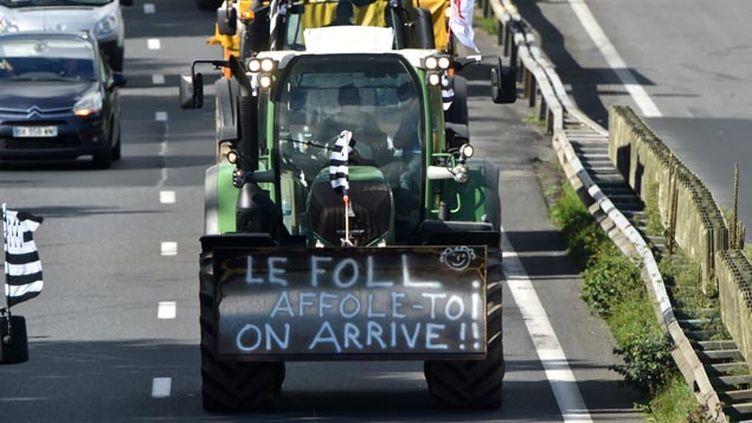 (Les tracteurs bretons en route vers Paris © Maxppp)