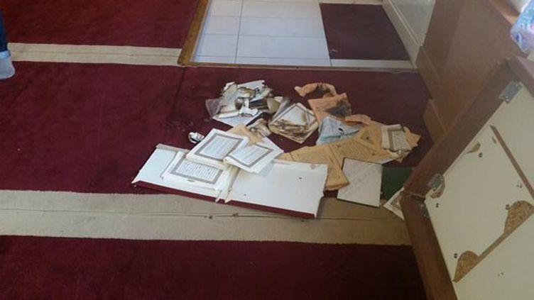 (La salle de prière musulmane pillée vendredi soir à Ajaccio © Radio France/Mathilde Lemaire)