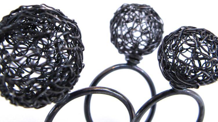 """Exposition """"Un bijou pour moi""""dans le cadre de l'évenement """"Circuits Bijoux"""" : modèle deYannick Mur  (DR)"""
