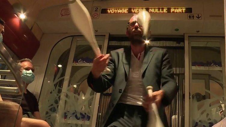 Spectacle : le cirque s'invite sur les rails (France 2)