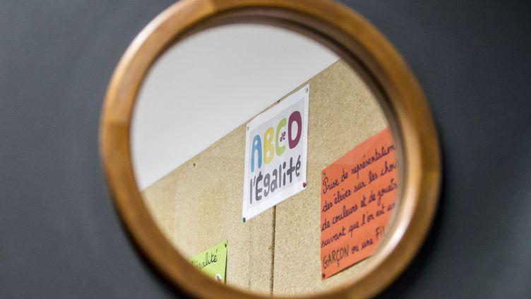 (Un tableau dans une classe où était enseigné le programme ABCD de l'égalité. © Maxime Jegat / IP3)