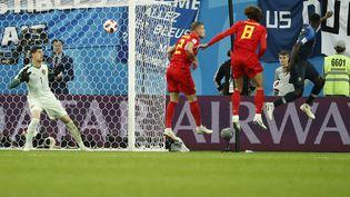 Le défenseur français Samuel Umtitiinscrit le premier but de la France face à la Belgique, en demi-finale de Coupe du monde 2018 en Russie, le 10 juillet 2018 àSaint-Pétersbourg. (ODD ANDERSEN / AFP)