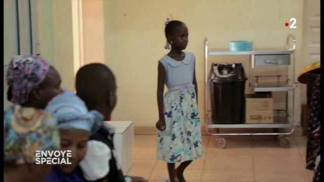 Envoyé spécial. Fanta, la première petite fille opérée du cœur au Mali