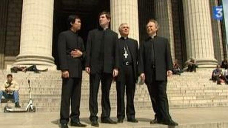 Les Prêtres en tournée promotionnelle  (Culturebox)
