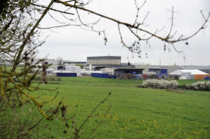 L'usine de traitement de déchets industriels Aprochim, à Grez-en-Bouère (Mayenne), le 1er avril 2011. (DAMIEN MEYER / AFP)