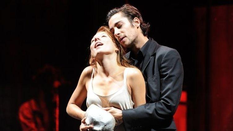 Matthieu Dessertine et Camille Cobbi en Roméo et Juliette.  (Alain Fonteray)