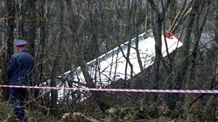 L'épave du Tupolev polonais qui s'est écrasé le 10 avril près de l'aéroport de Smolensk, le 10/4/2010 (AFP)