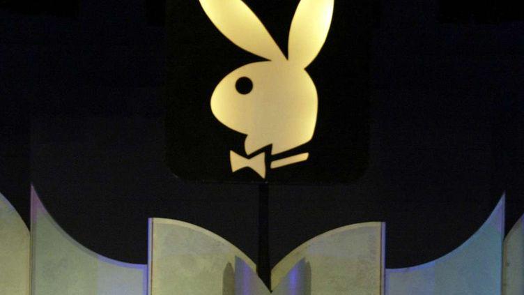 Le symbole de Playboy photographié à Los Angeles, le 19 juin 2004. (DAMIAN DOVARGANES/AP/SIPA / AP)