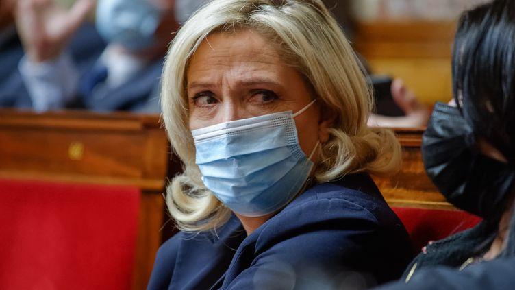 Marine Le Pen, le 12 octobre 2021, à l'Assemblée nationale, à Paris. (DANIEL PIER / NURPHOTO / AFP)