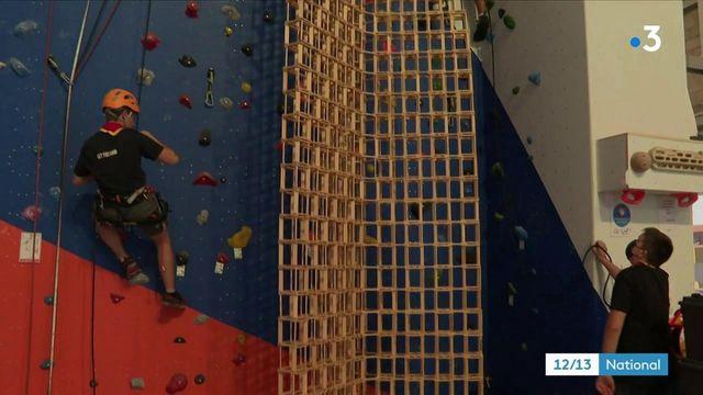 Mulhouse : quatre adolescents ont bâti la plus haute tour en Kapla