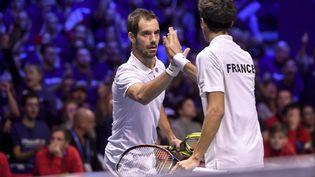 La paire française Herbert-Gasquet en finale de la Coupe Davis, le 25 octobre2017 à Lille. (PHILIPPE HUGUEN / AFP)