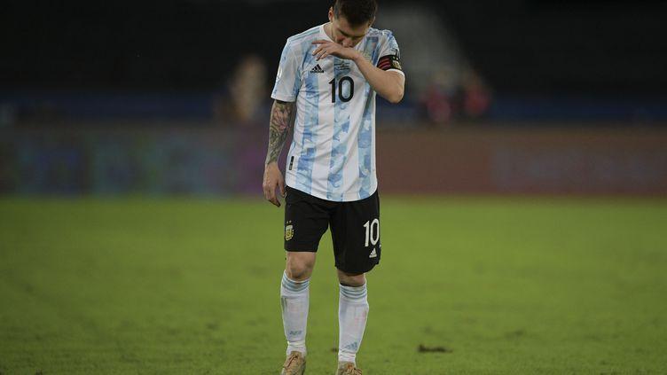 Lionel Messi, lors de son premier match de la Copa América face au Chili, le 14 juin 2021. (CARL DE SOUZA / AFP)