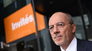 Stéphane Richard, actuel PDG d'Orange, attend l'arrivée de François Hollande, le 8 juin 2016, à Châtillon (Hauts-de-Seine). (STEPHANE DE SAKUTIN / AFP)