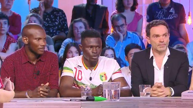 """Mamoudou Gassama était l'invité de l'émission """"C Politique"""" sur France 5, dimanche 3 juin. (C POLITIQUE)"""