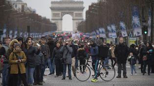 L'avenue des Champs-Elysées, à Paris, le 1er janvier 2016. (JOEL SAGET / AFP)