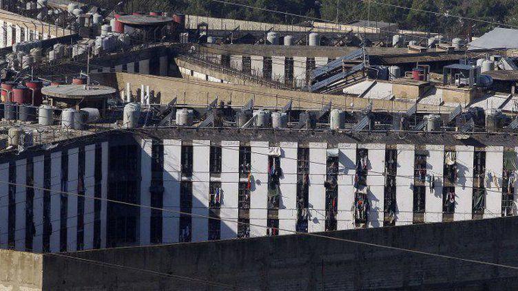 Vue générale de la prison de Roumieh, au Liban, où de nombreux islamistes, soupçonnés d'appartenir à l'organisation de l'Etat Islamique et au Front al-Nosra, sont détenus. (Bilal Jawich/Anadolu Agency)