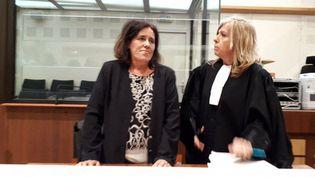 La mère de Séréna, Rosa-Maria Da Cruz, avec son avocate, le 12 novembre 2018, à Tulle (Corrèze). (MAXPPP)