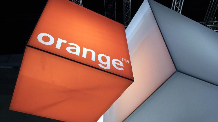 Une boutique Orange à Saint-Denis (Seine-Saint-Denis), en 2012. (ERIC PIERMONT / AFP)