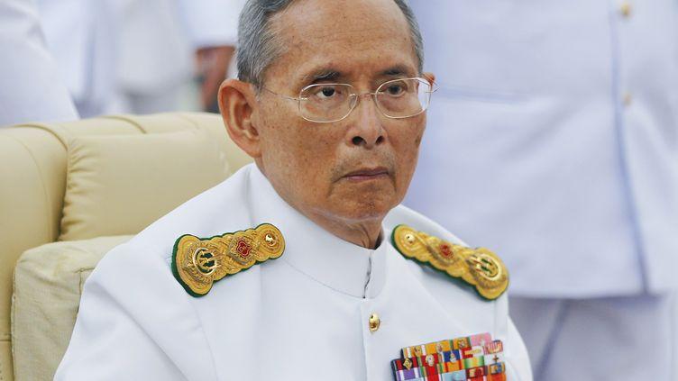 Le roi de Thaïlande,Bhumibol Adulyadej, le 9 juin 2012 à Bangkok. (REUTERS)