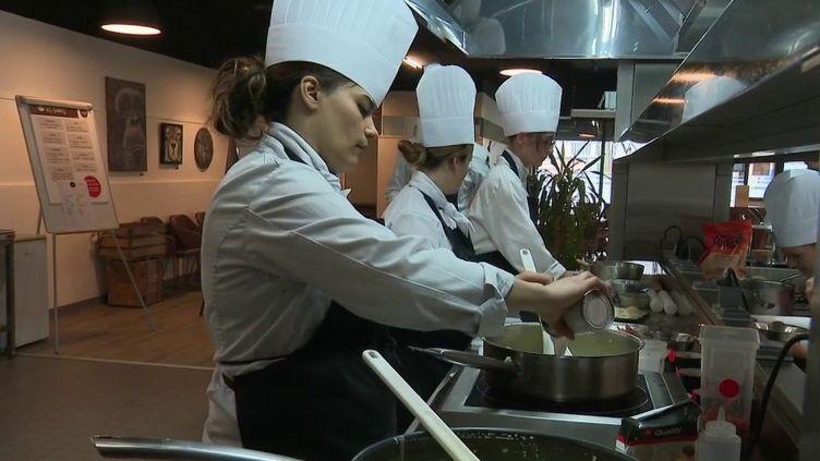 Emploi : la tendance des écoles de cuisine (FRANCE 2)
