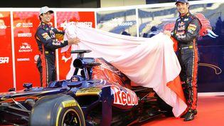 Le Français Jean-Eric Vergne (à dr.), lors de la présentation de la voiture de l'écurie Toro Rosso,le 6 février 2012. (ATB/WENN.COM/SIPA / SIPA USA)