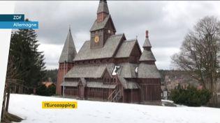Une église en bois centenaire restaurée en Allemagne (FRANCEINFO)